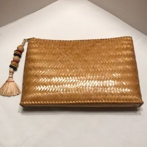 Handbags - Straw Clutch handbag
